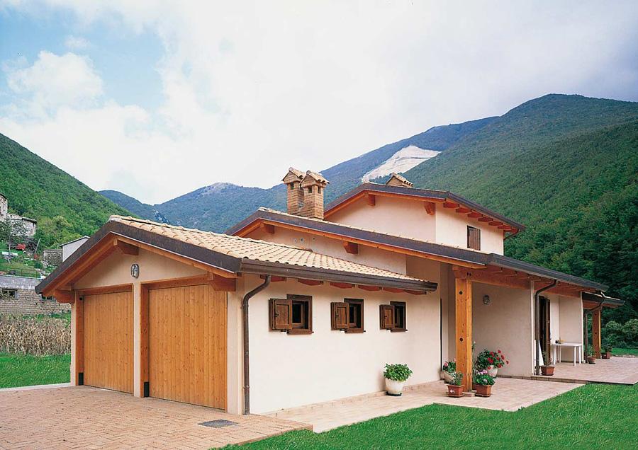 Lacost case in legno toscana1 for Durata casa in legno