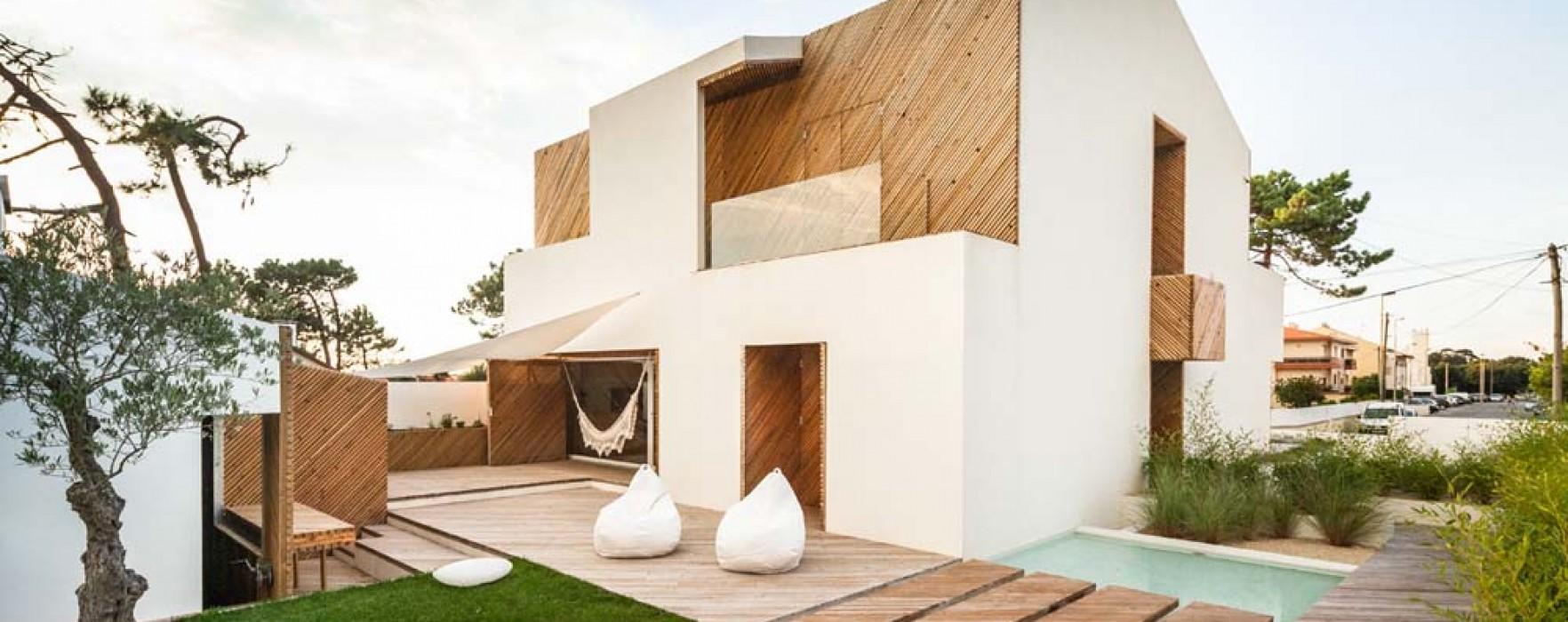 Solare fotovoltaico e pellet in una casa in legno for Costare la costruzione di una casa contro l acquisto