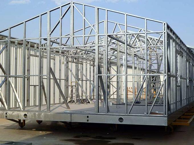 Case prefabbricate in legno o acciaio - Struttura in ferro per casa ...