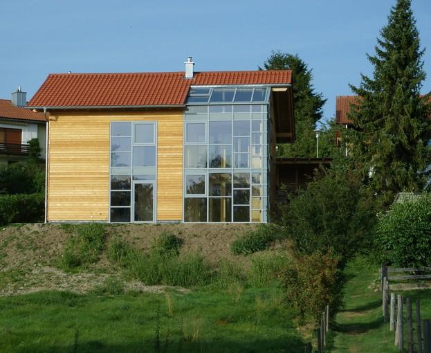 Demolire e ricostruire in legno for Costare la costruzione di una casa contro l acquisto