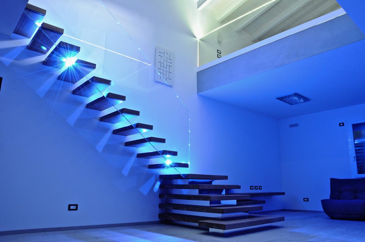 Vibrobloc dettagli degli interni di una casa prefabbricata for Interni casa moderna
